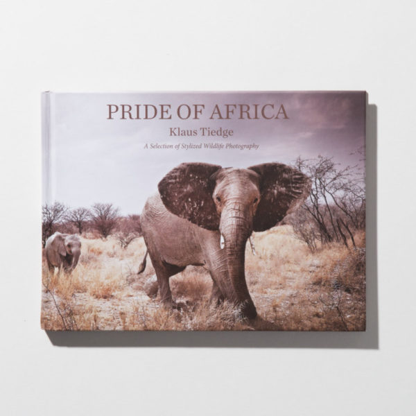 small book Pride of Africa African Wildlife by Klaus Tiedge